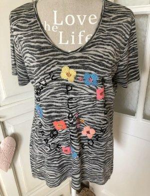 Grace Shirt Zebra Look mit Stickereien und Glitzer Pailletten besetzt 99€