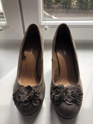 Graceland Zapatos de cuña marrón grisáceo