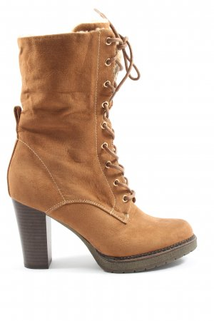Graceland Slouch Booties brown casual look