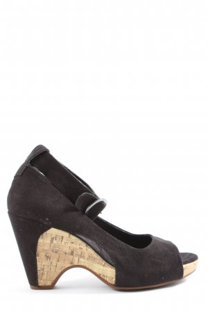 Graceland Strapped High-Heeled Sandals brown casual look