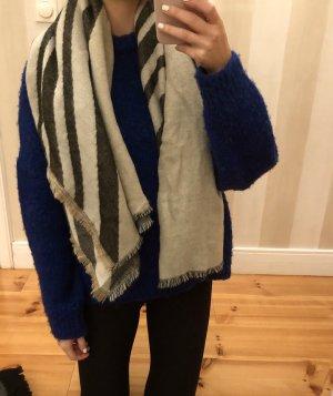 Grau-Beiger Schal