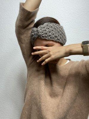 Earmuff grey brown