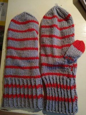Grau-rot gestreifte Wollstrick Handschuhe Fäustlinge
