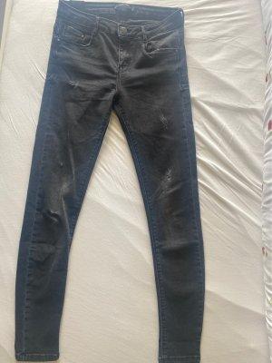 grau schwarze Jeans