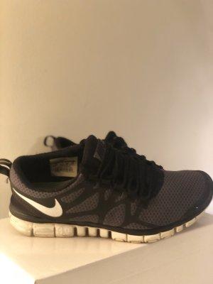 Grau Schwarze Nike Free
