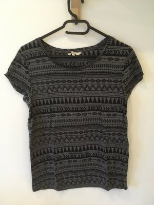 Grau/schwarzes Shirt