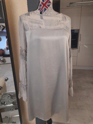 Grau-Silber-Beiges Seidenkleid von Guess