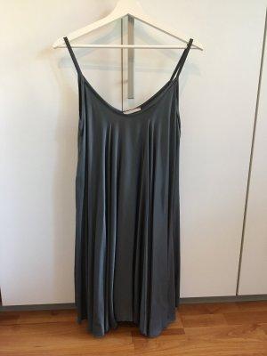 Grau/Silber schimmerndes Kleid