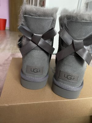Grau UGG boots 37 nagelneu