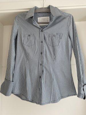Grau/weiß gestreiftes Hemd