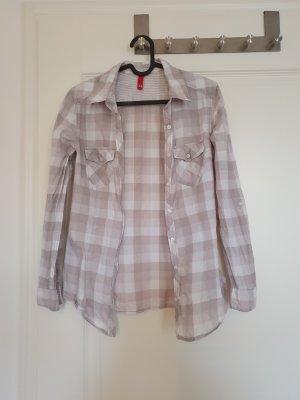 Grau-weiß kariertes Hemd