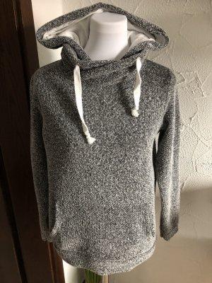 grau weißer Kapuzenpulli / Pullover mit Kapuze von Janina - Gr. 38