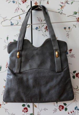 graublaue Lederhandtasche