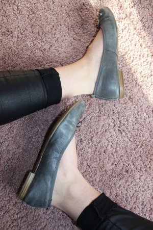 s.Oliver Patent Leather Ballerinas grey-slate-gray
