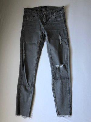 Graue Bershka Jeans