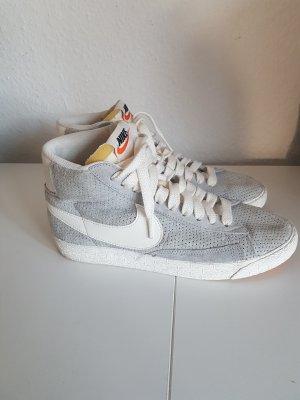 Graue Blazer Sneaker von Nike (38,5)