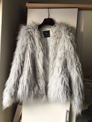 Bershka Futrzana kurtka srebrny-jasnoszary