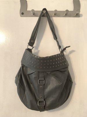 Graue Handtasche mit Nieten