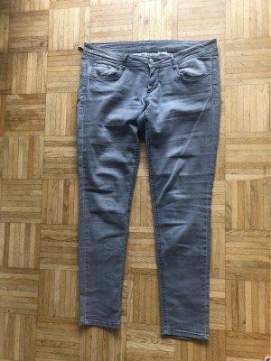 H&M Low Rise jeans lichtgrijs
