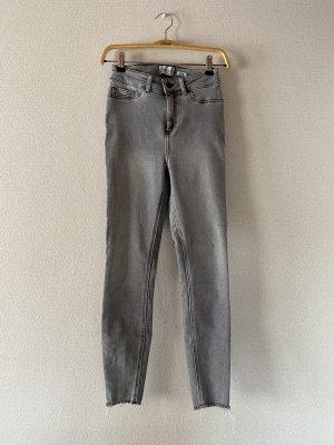 New Look Jeans a sigaretta grigio-grigio chiaro
