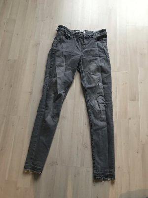 Graue Jeans Mango