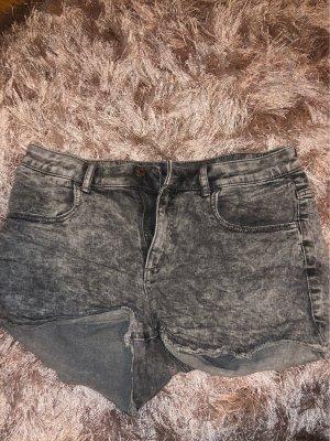 graue jeans short