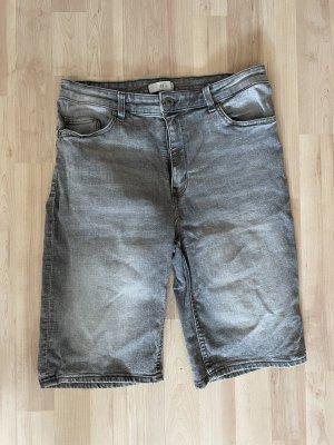 Graue Jeans Shorts etwas länger