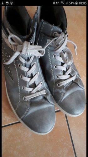 graue knöchelhohe Sneaker mit Glitzerstern