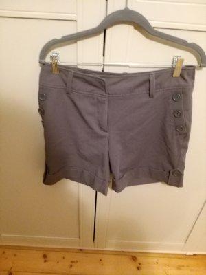 graue kurze Shorts von H&M