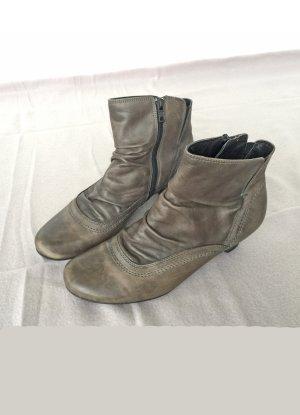 graue Leder  Stiefeletten von Marco Tozzi, Größe 39