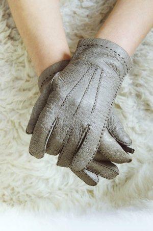graue Lederhandschuhe