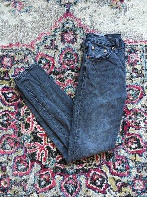 Graue Levi's Jeans