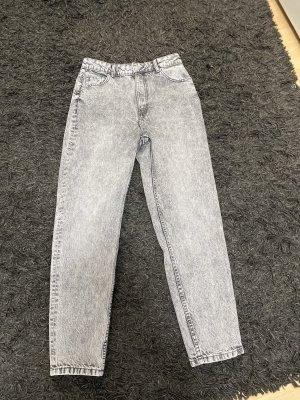 Pull & Bear Boyfriend Jeans light grey-white