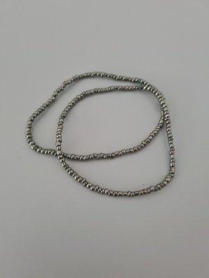 graue Perlenarmbänder vintage