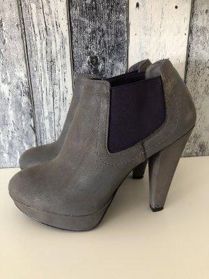 graue Pumps / Stiefeletten / High Heels von Graceland - Gr. 38