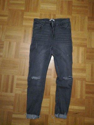 Graue ripped high-waist Jeans (Pull&Bear)