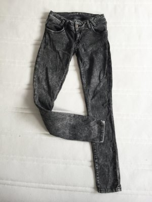 Graue Röhrenjeans / Skinny Jeans / Röhrenhose