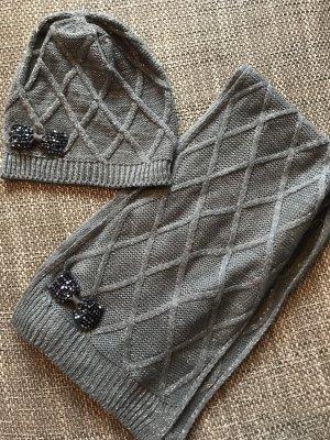 Graue Schal und Mützenkombination, neu!