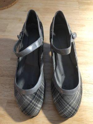 Graue Schuhe von Sacha in 41