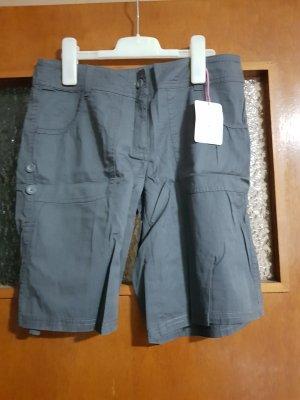 graue Shorts Neu mit Etikett Gr. 36