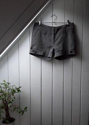 Graue Shorts von Amisu
