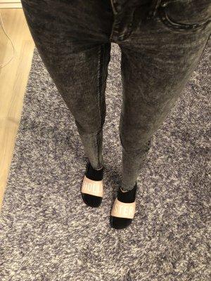 Graue Skinny-Jeans 34 wie neu