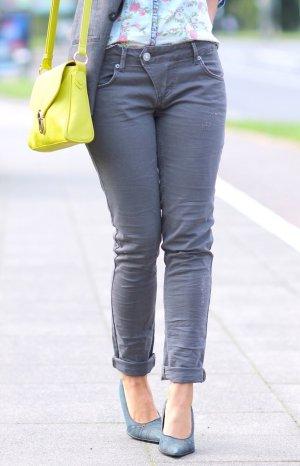 Graue Slim Fit Hüft Jeans von ATT / AMOR, TRUST & TRUTH JEANS Gr. 36 L31