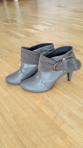 Buffalo girl Slip-on Booties grey polyurethane
