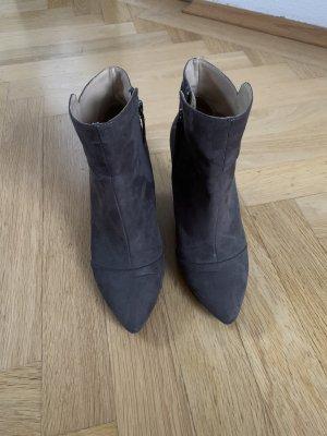 Zara Trafaluc Botas de cuña gris