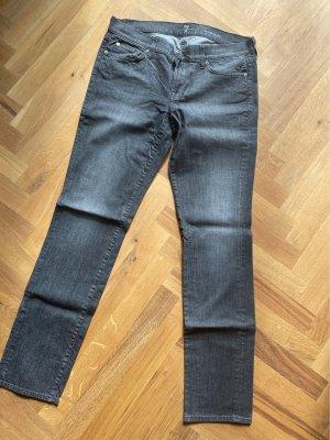 "Graue Straight Jeans - Modell ""Roxanne"" - Größe 31"