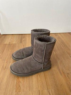 Graue Ugg Boots