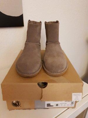graue UGG Boots (ungefüttert)