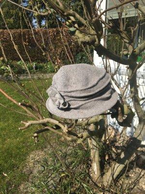 Sombrero acampanado gris claro tejido mezclado