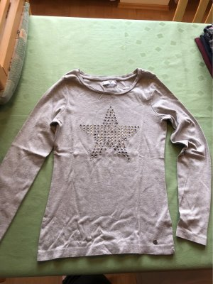 grauer, dünner Pullover